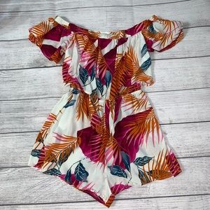Other - Tropical 🌴 vacation-ready romper!